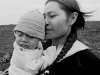 Mujer y su hijo Guarani